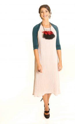 שמלת אליזבת – אבן