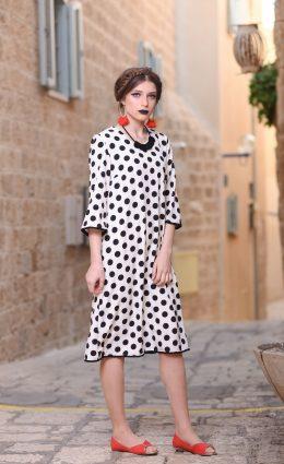 שמלת פונפונים – לבן