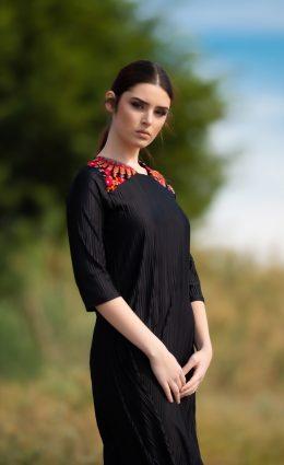 שמלת נופר – שחור