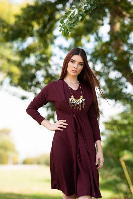 שמלת הללי – בורדו