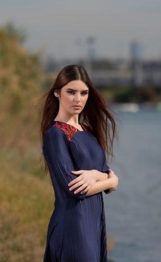 שמלת נופר - נייבי