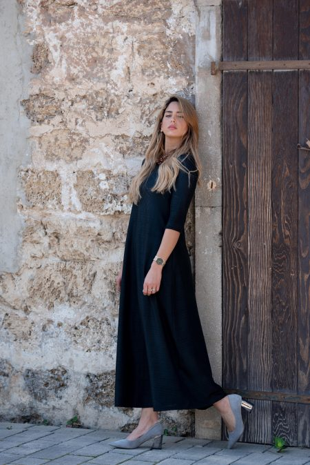 שמלת סוּף – שחור