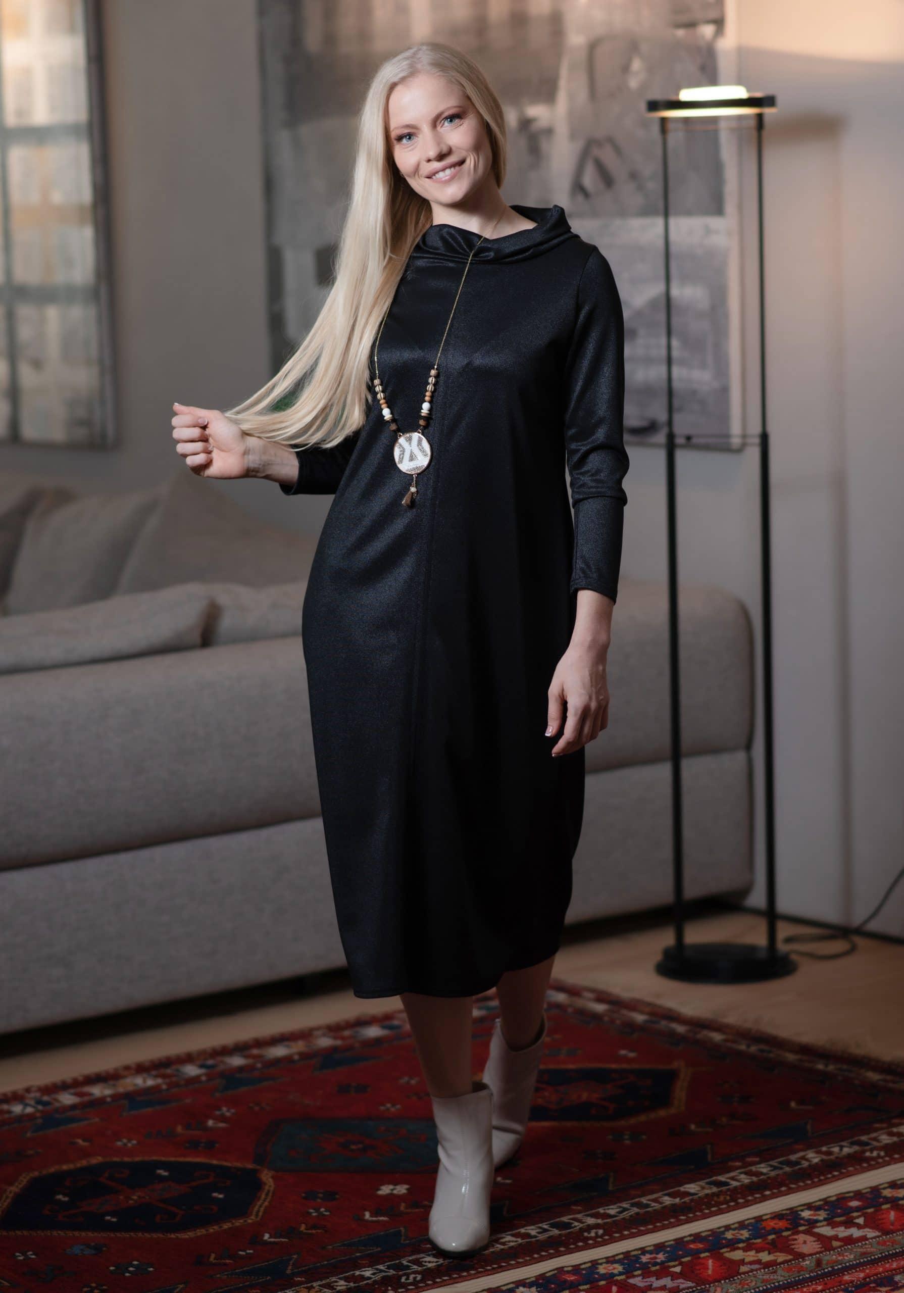 שמלת אדווה - שחור